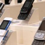Meno libri e boom di cellulari Così cambiano i consumi