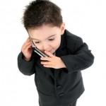 Vietare il cellulare ai minori di 12 anni? Ecco il perchè