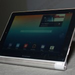 Lenovo Yoga Tablet, libertà in movimento