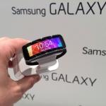 Samsung Gear Fit presentato al WMC 2014